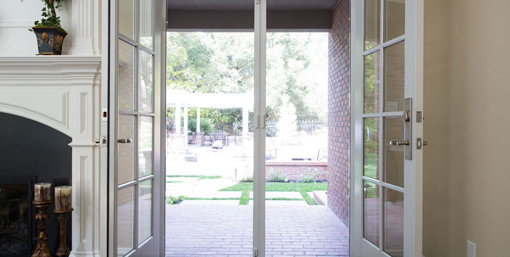 Retractable screen doors mobile screen repair for Retractable screen door replacement